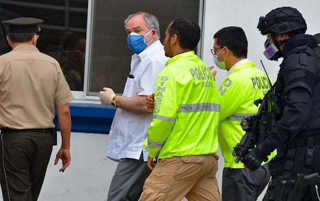 Ordenan arresto domiciliario para el expresidente Abdalá Bucaram en Ecuador