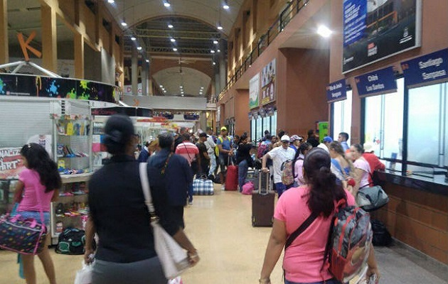 Suspenden venta de boletos para viajar al interior del país y advierten que pedirán salvoconductos