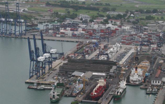 Puertos panameños registran crecimiento en el movimiento de contenedores en los primeros cinco meses del año