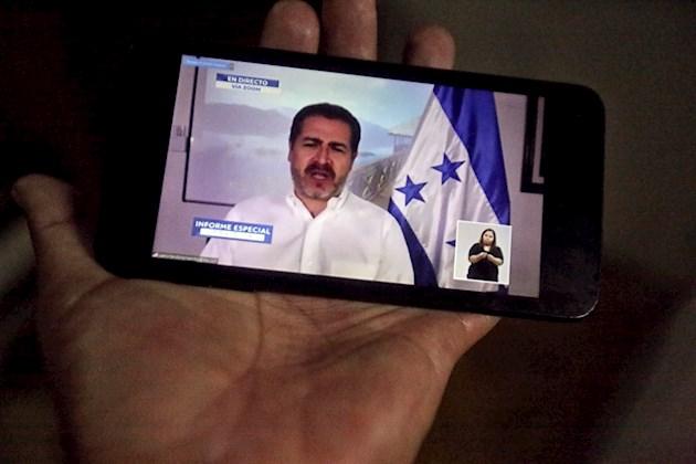 El presidente de Honduras y su esposa, contagiados con COVID-19