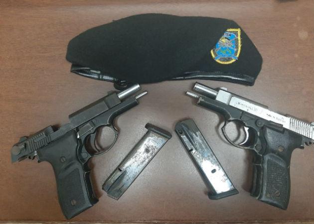 En La Favela de Mastranto dejaron abandonadas dos pistolas 9mm. Foto: Eric Montenegro.
