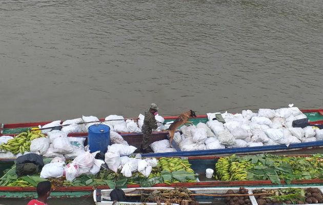 El transporte hasta Yaviza y Metetí se hace en piraguas a motor. Fotos: Cortesía.