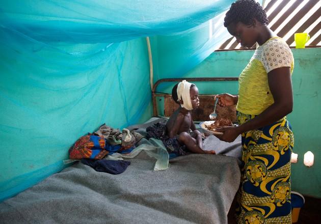 Programas de vacunación son trastocados por la pandemia