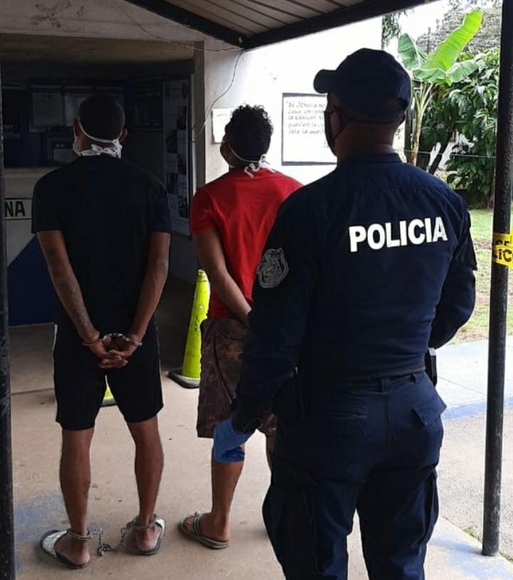 Detienen a sujetos que realizaban detonaciones en Pedregal