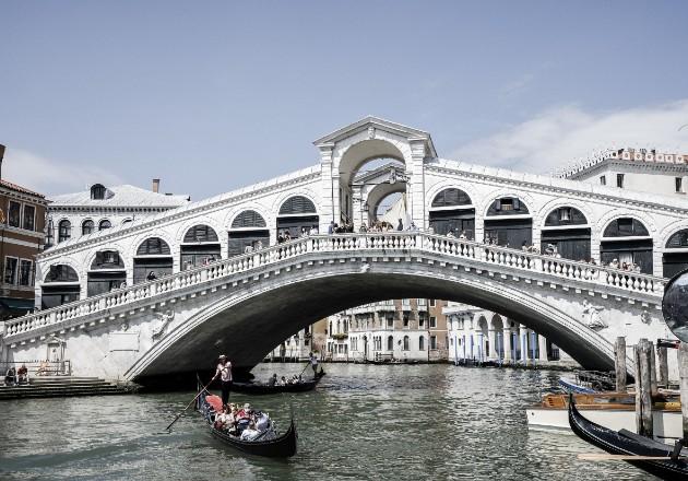 La pandemia paraliza el turismo en Italia