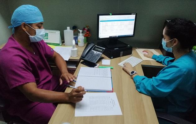 ¿Necesita Panamá contratar a médicos extranjeros para reforzar la lucha contra la COVID-19?