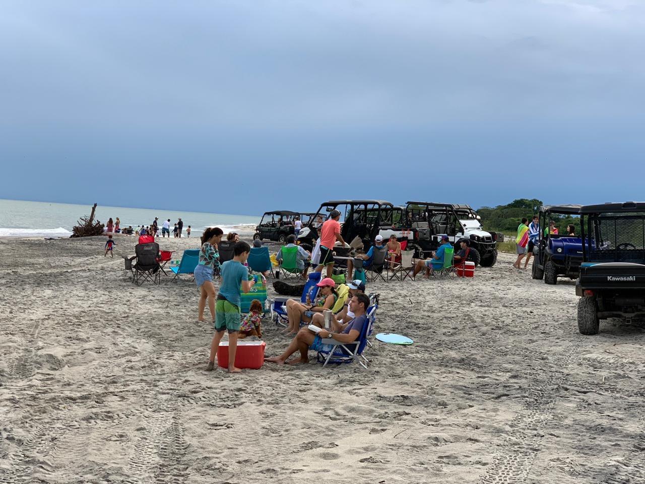 Minsa abre una investigación contra las 24 personas de playa Buenaventura que violaron el toque de queda