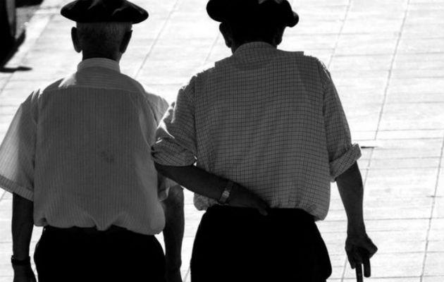 Jubilados truncan a la juventud