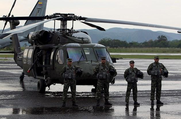 Seis heridos y 11 desaparecidos deja accidente de helicóptero militar colombiano