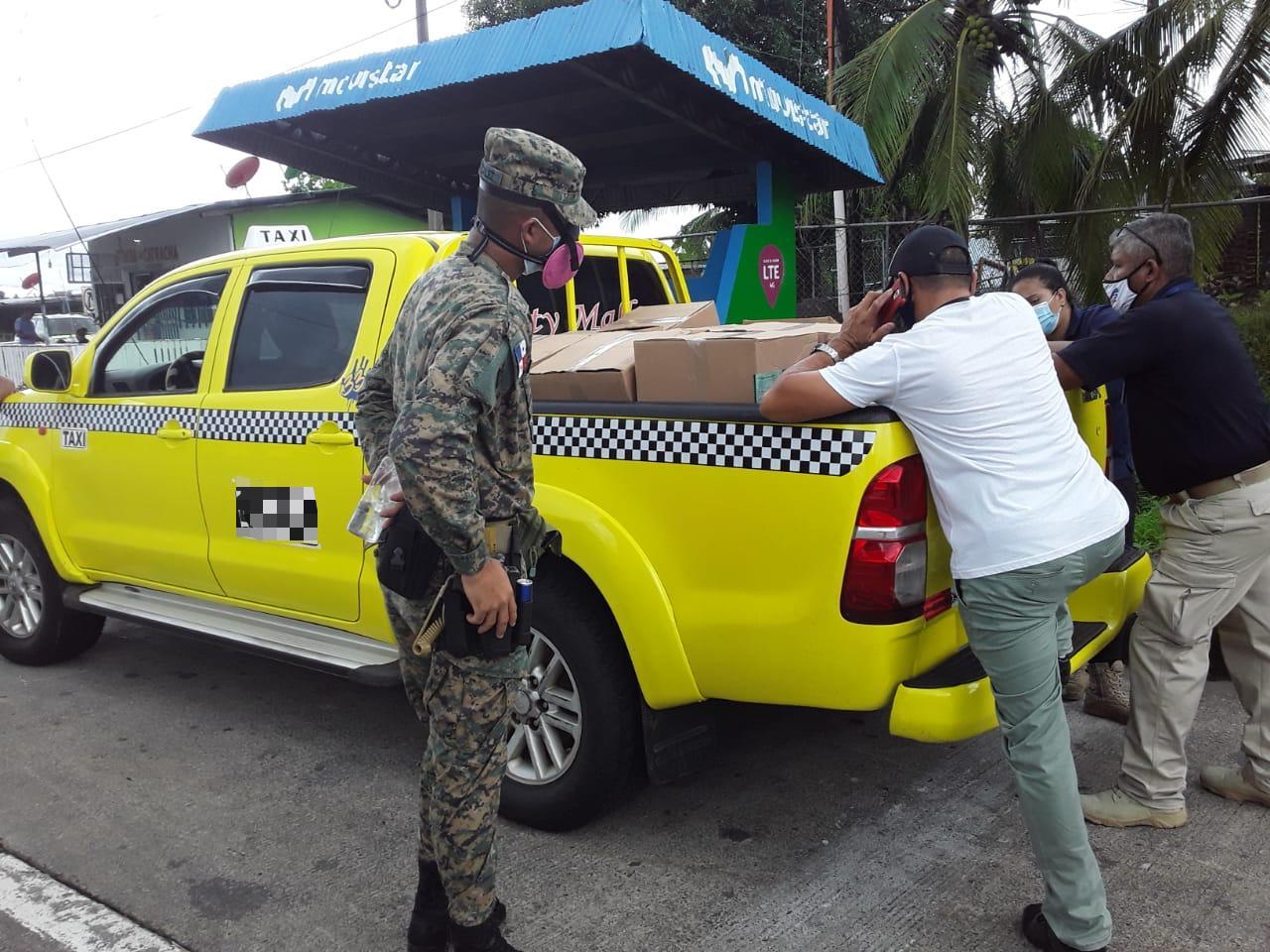 Cae taxista con 18 cajas de fertilizantes de dudosa procedencia en el puesto de control de San Isidiro, Chiriquí