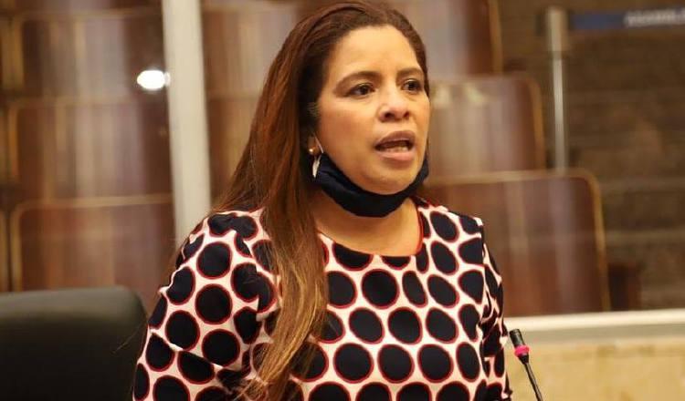 Corina Cano: 'Diputados debemos tener un cambio de actitud y dejar la bandera política a un lado'
