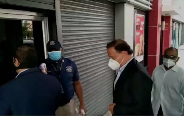 Juan Carlos Varela llega al Ministerio Público donde rinde indagatoria por Caso Odebrecht y evita a los medios