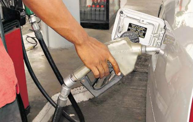 Precio de gasolina se mantiene, mientras el diésel aumenta su costo