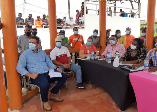 Los paleros y camioneros se reunieron con la presencia del Mici, Anam, y Aeronaval. Fotos: Diómedes Sánchez.