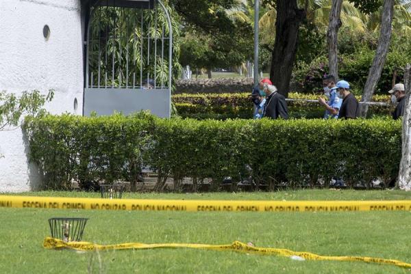 El cardenal Leopoldo Brenes califica de 'acto terrorista' el incendio en la catedral de Managua