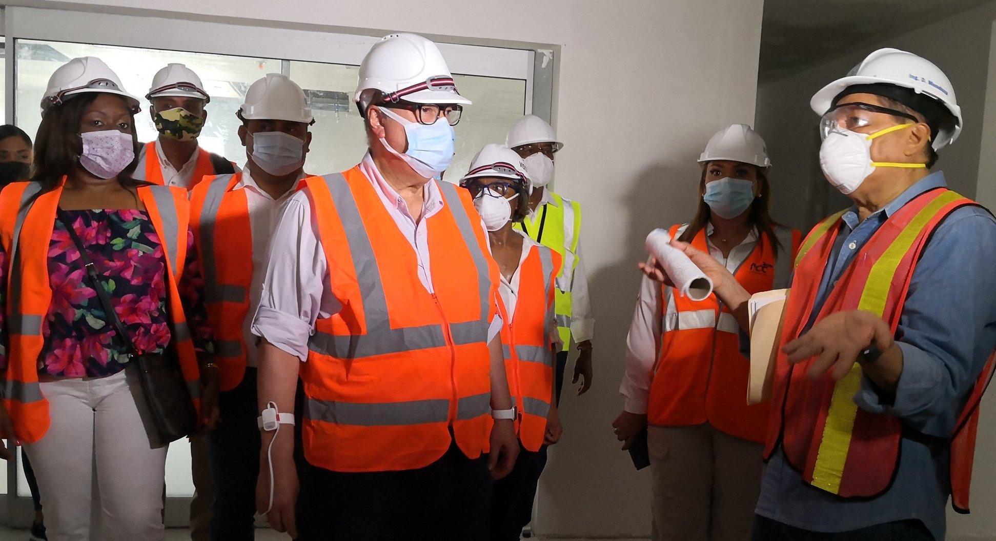 Director de la CSS inspecciona áreas de la Ciudad de la Salud que abrirán para atender a pacientes de COVID-19