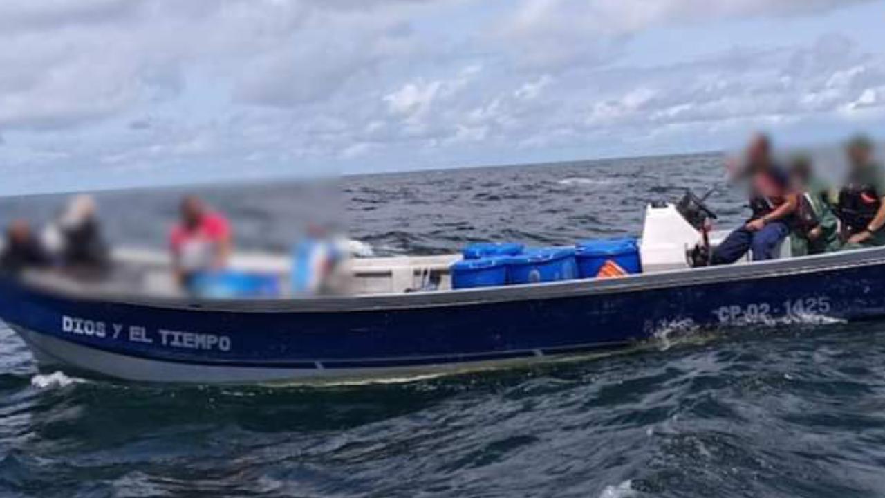 Ticos decomisan casi una tonelada de droga cerca a aguas panameñas en dos embarcaciones diferentes