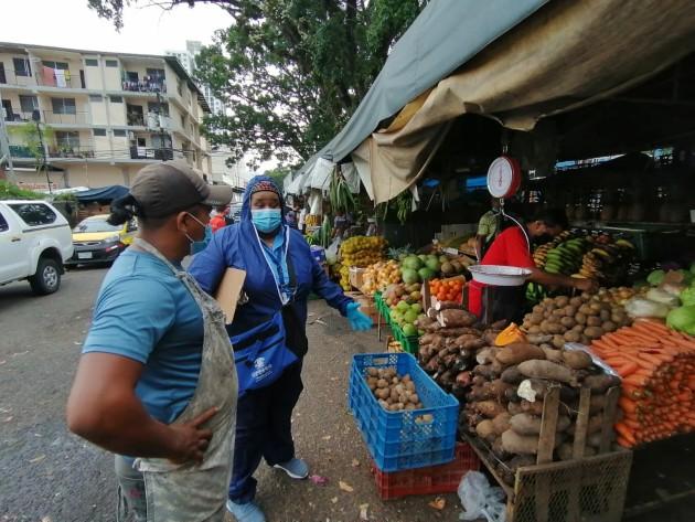 Acodeco sanciona a varios comerciantes con $1,250 por alterar precio de la cebolla