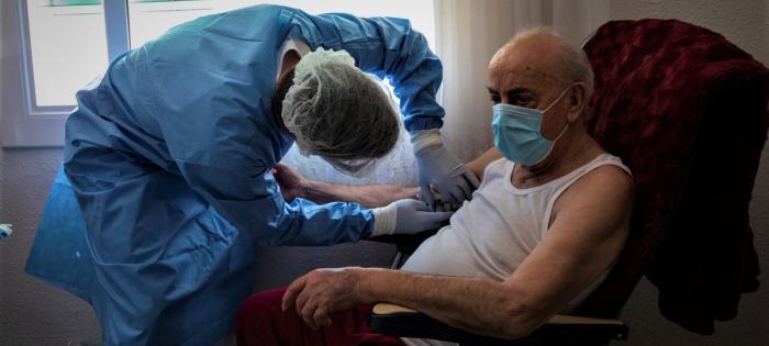La persona diagnosticada con la infección debe guardar reposo.