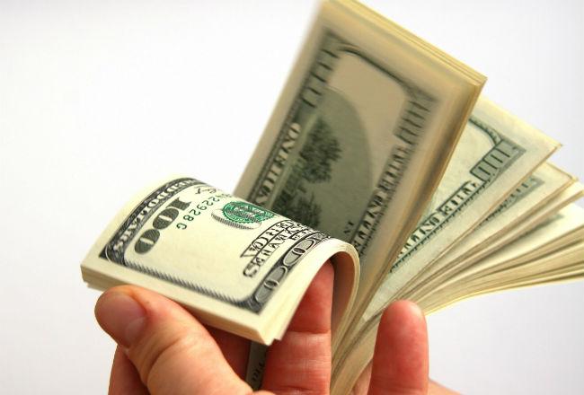 ¿Cómo se pagará la segunda partida del décimo tercer mes a los trabajadores, según la recién ley sancionada por el Gobierno?
