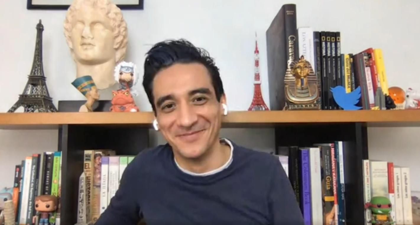 Rafael Poulain es mexicano y además de trabajar en una organización en su país, se dedica a compartir historias en redes sociales.
