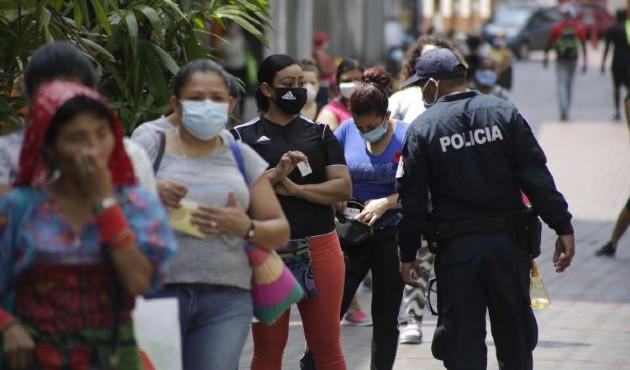 Gobierno aprueba pagar bono de décimo a trabajadores con contratos suspendidos