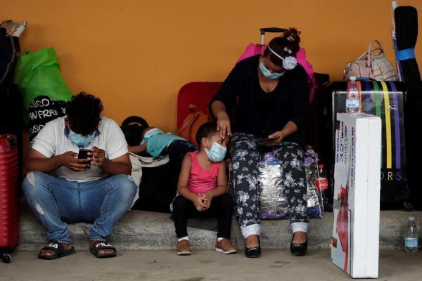 Desalojan de la terminal de Albrook a nicaragüenses que querían salir en caravana de Panamá
