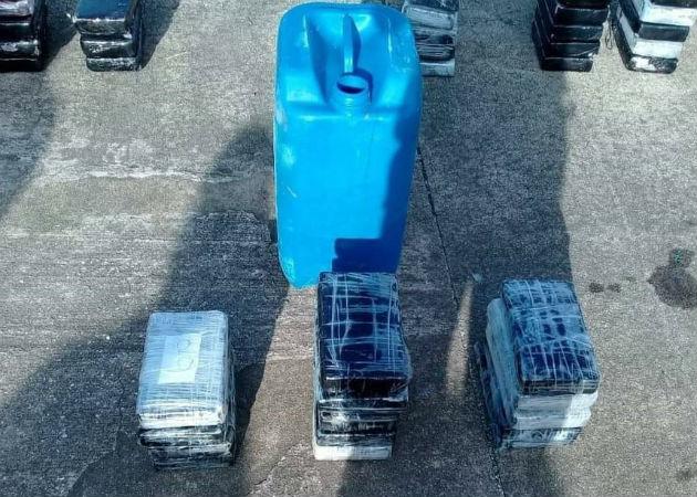 La cocaína iba oculta en tanques de gasolina. Fotos: Diómedes Sánchez S.