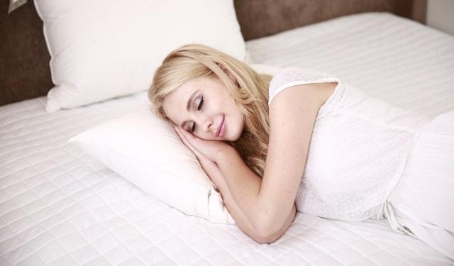 Hacer el dormitorio un lugar cómodo. Foto: Ilustrativa / Pixabay