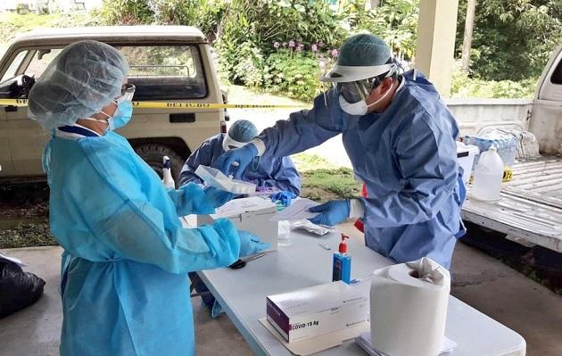 Bajan los casos nuevos de COVID-19 en Panamá, pero las muertes se mantienen