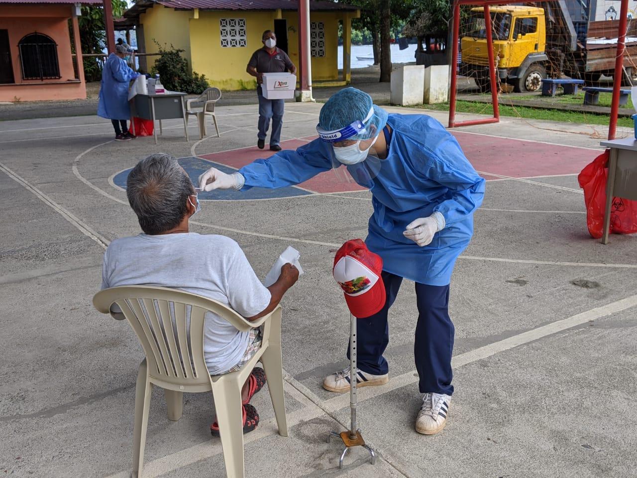 Panamá rompe la barrera de las 5 mil pruebas de COVID-19 en un día