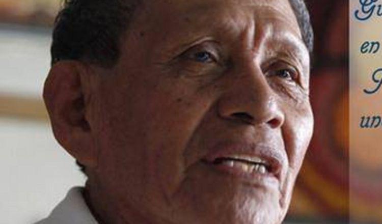 Augusto Valiente, el salonero presidencial por varias décadas lucha contra la COVID-19