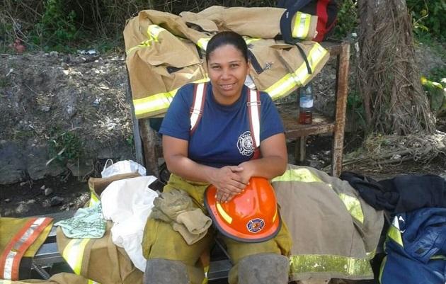 Matilde Torres: La primera subcomandante en 132 años de historia de los bomberos de Panamá