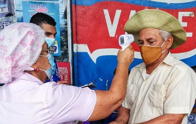 Ministro Luis Sucre pide paciencia para que el plan de reapertura no se detenga