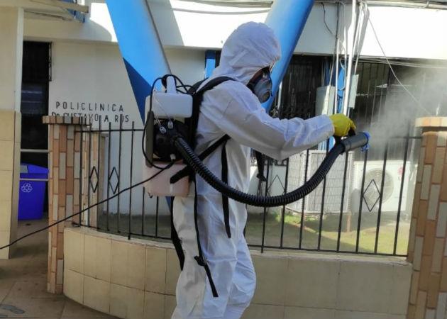 En este proceso de desinfección se utilizó hipoclorito de amonio al 10%. Fotos: Mayra Madrid.,