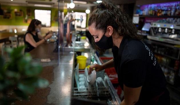 Bajan pedidos de subsidio por desempleo en Estados Unidos