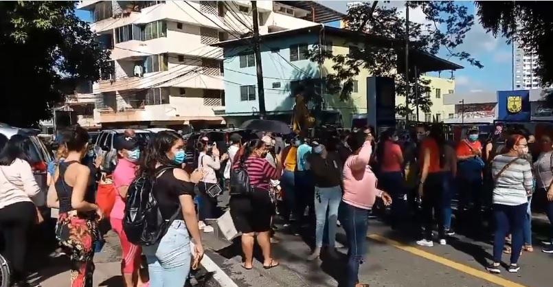 Mujeres exigen bono solidario en la Junta Comunal de San Francisco