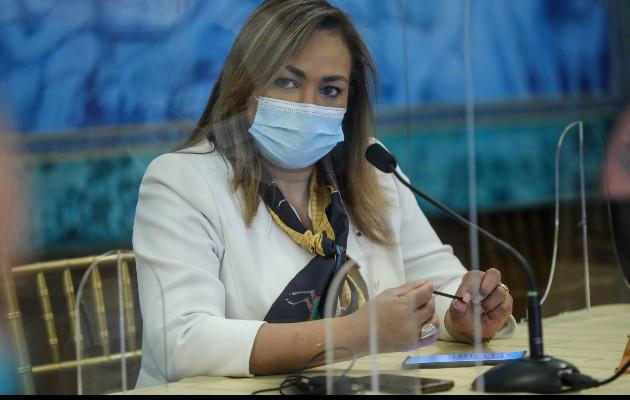 Ministra Eyra Ruiz no violó decretos sanitarios, concluye informe de la Dirección Metropolitana de Salud