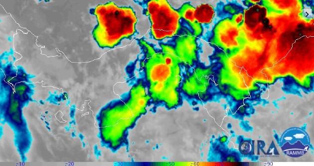 Aguaceros dejan inundaciones en Chiriquí, mientras sistema de baja presión se mantiene en Panamá