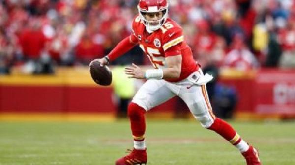 Mahomes y Chiefs con buen arranque en su defensa del campeonato en la NFL