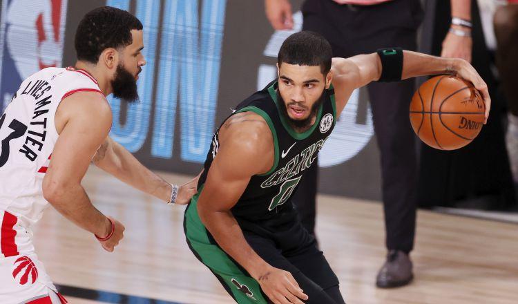 Celtics se preparan para duelo contra Miami Heat en la Conferencia Este