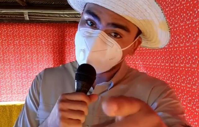 Kendal Royo hijo sorprendió con su destreza frente a las cámaras y el parecido con su padre