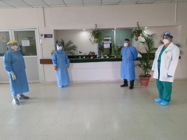 La sala cinco de COVID en el hospital Nicolás Solano es una zona de luchas y esperanzas