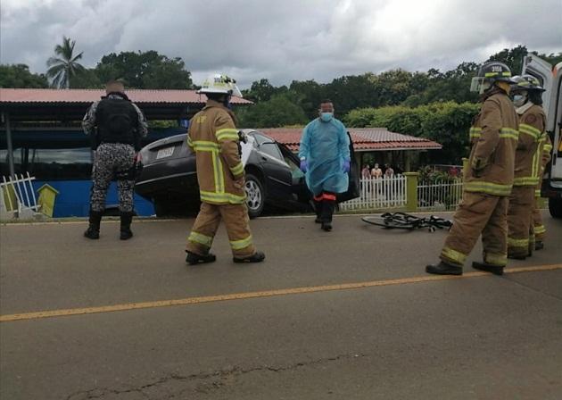 Tragedia en El Carate de Las Tablas, dos ciclistas fallecieron tras ser arrollado por el conductor de un sedan