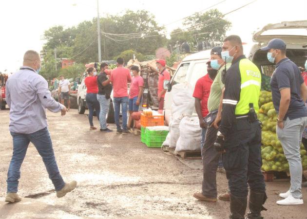 Desalojan de servidumbre pública a vendedores ubicados cerca al Mercado de Abastos provisional de La Chorrera