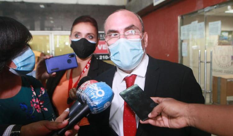 Multan al exjefe del Consejo de Seguridad Nacional, Rolando López, por tratar de evadir proceso