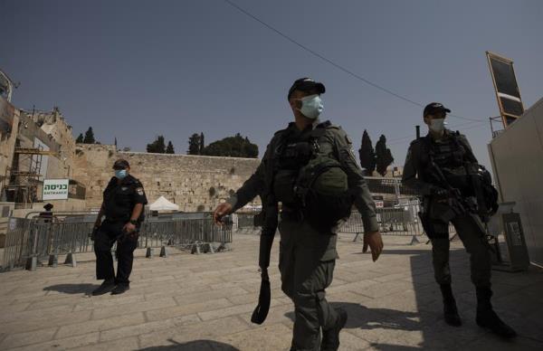 Con la pandemia fuera de control Israel endurece aún más el confinamiento