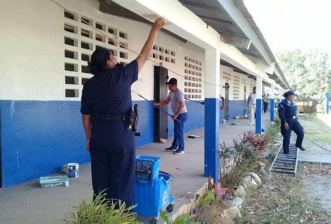 Docentes rechazan que los trabajadores manuales sean los que realicen la sanitización en los colegios