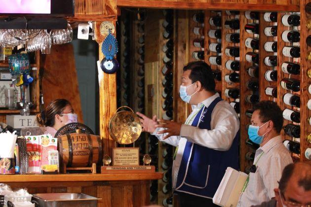 ¿Cumplieron los comercios del Casco Antiguo con las medidas sanitarias contra la COVID-19?