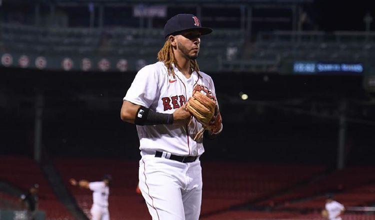 Jonathan Araúz apunta alto en las Grandes Ligas